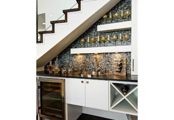 bar no vão da escada
