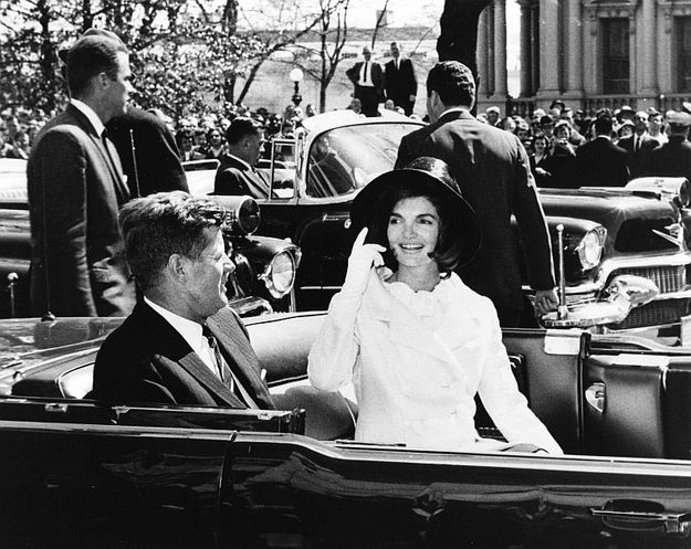 The first lady with her husband at the arrival ceremonies for the king of Morocco. | 31 Flawless Photos Of Jackie Kennedy