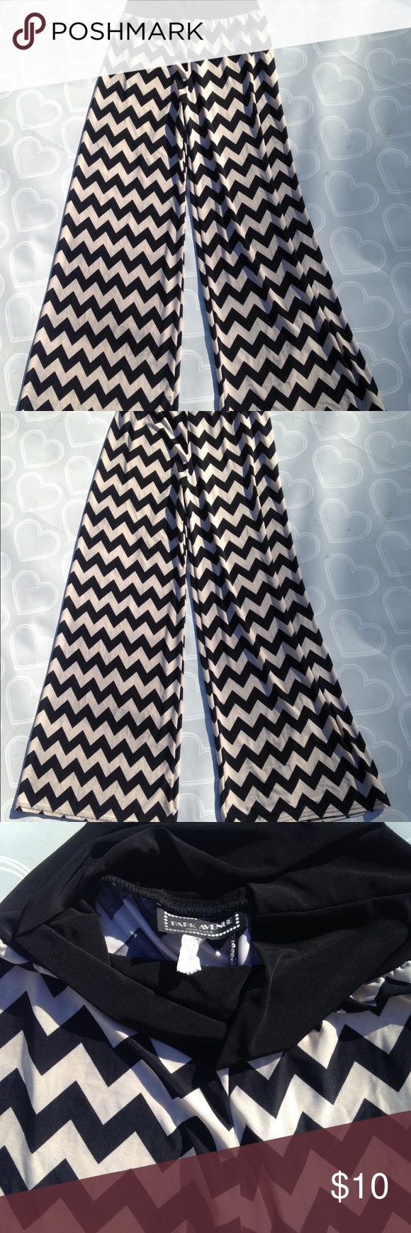 Women's chevron pants size medium Brand- Park Avenue women's size medium Palazzo pants. Inseam 31 inches- Black and Tan chevron. In my opinion since the waist is stretchy I think a size small could also wear them- I am a size medium and they fit me comfortably! EUC- no stains- Park Avenue Pants
