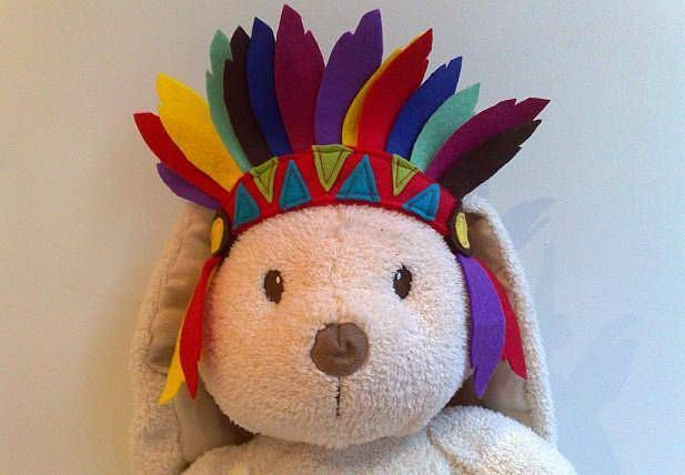 Felt Indian Head Dress. Must be able to make this...