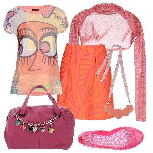 Frizzante composizione coloratissima composta di t-shirt multicolore, gonna arancio e accessori rosa intenso. Per la scuola o per una passeggiata diurna. Copri spalle leggero in lamè da aggiungere a fine giornata.