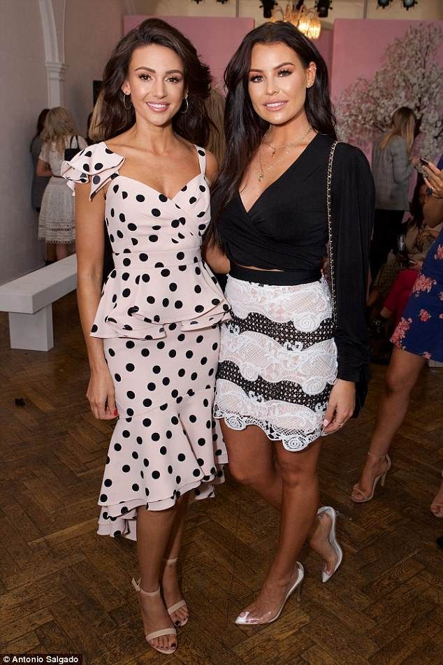Jess Wright Supports Sister In Law Michelle Keegan Emily Ratajkowski Outfits Michelle Keegan Emily Ratajkowski Style