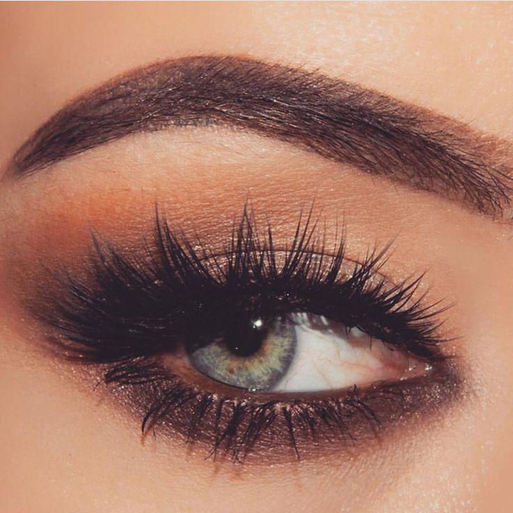 B O S S A — BRONZE ✔️ via @evelinamiha #bronze #eye #makeup...
