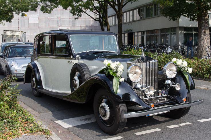 Als Hochzeitsauto eingesetzter Rolls Royce (Phantom III?) in Oldenburg