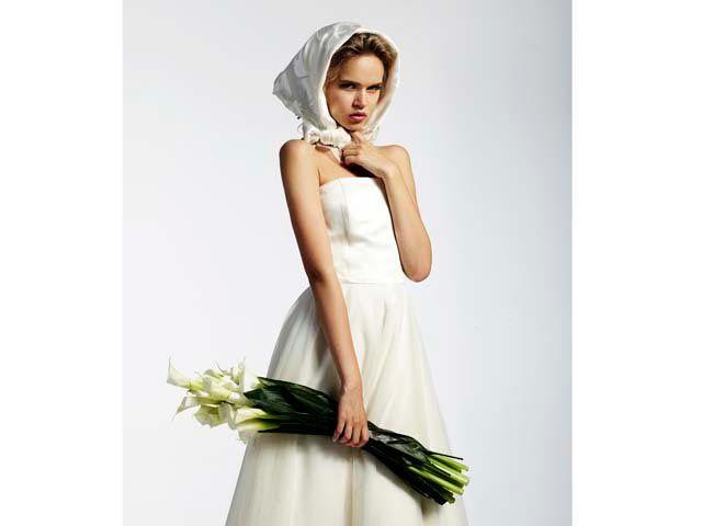 White flowers rustic bouquet
