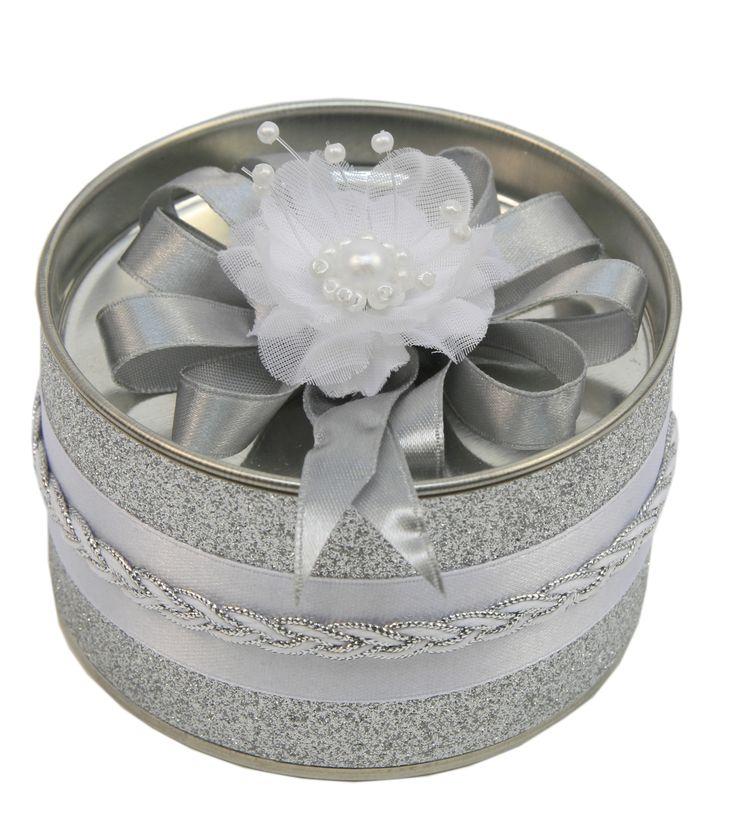 Recuerdo para bodas. bote con dulces color plata