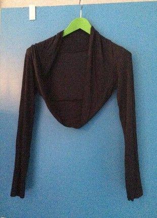 À vendre sur #vintedfrance ! http://www.vinted.fr/mode-femmes/autres-hauts/23547888-bolero-noir-court-manches-longues