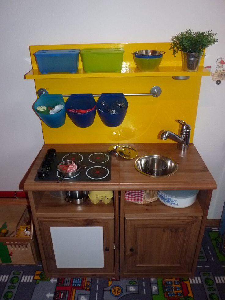 Kinderküche selbst gemacht... Bauanleitung zum selber bauen Memo an mich: alte Amatur und defekte Nachtschränke nutzen!!!                                                                                                                                                      Mehr