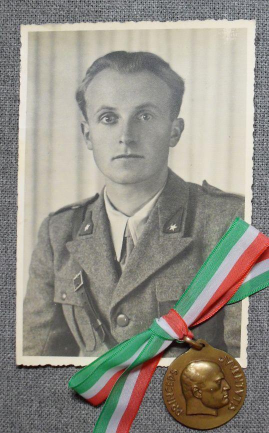 """Фото """"Итальянский солдат"""" и медаль Бенито Муссолини Италия ..."""