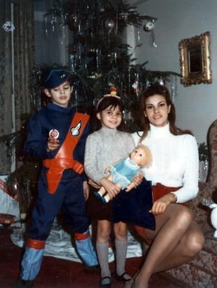Raquel Welch and her family celebrate Christmas in 1965 in London