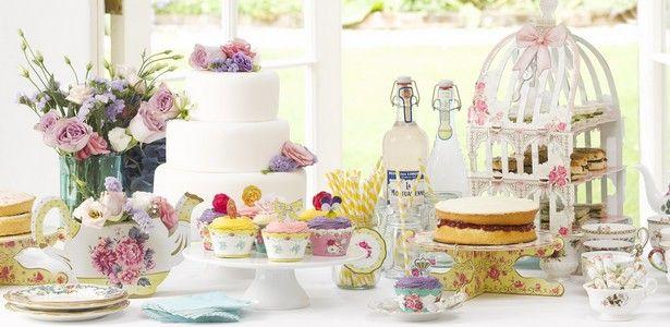 Decoration Baby Shower à l'anglaise pour baptême et baby shower sur VegaooParty