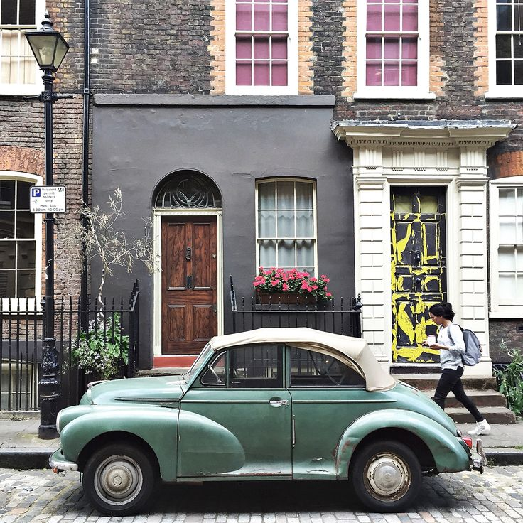 Spend the day on a photography tour in East London. Elder Street (close to Old Spitalfields Market) and it's beautiful green car is one of the most photographed and classic streets in the city.