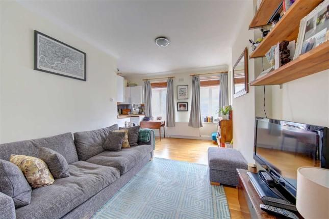 1 Bed Property For Sale, Effra Court, Brixton Hill, Brixton SW2, with price £330,000. #Property #Sale #Effra #Court #Brixton #Hill