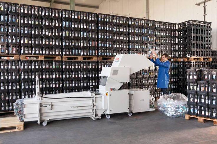 http://www.asturalba.com/maquinas/prensas/reciclaje/pet.htm Combinación de trturadora de botellas PET y prensa compactadora HSM CP 4988