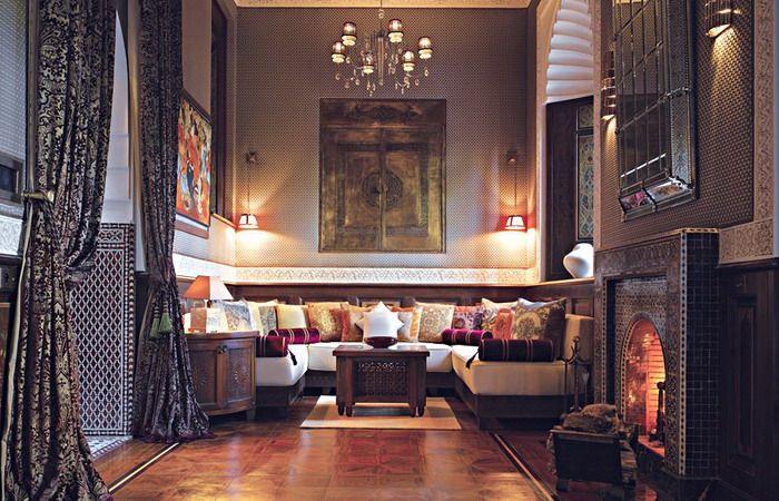 Google Afbeeldingen resultaat voor http://www.shelterness.com/pictures/moroccan-style-living-room-design-ideas-19.jpg
