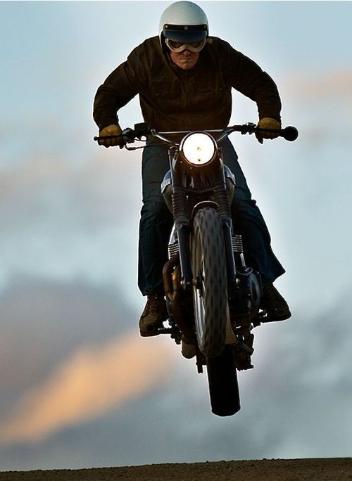 anarchyves:    Let's fly with this cafe racer!