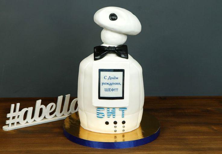 """Торт """"Робот""""  Любители роботов и робототехники обязательно оценят такой торт в виде робота👾 Необычный тортик можно преподнести взрослому человеку, который увлекается подобными идеями. Либо же порадовать своего малыша, подарив ему на праздник не только красивого, но и вкусного робота😉  С радостью изготовим #тортнапраздник для вас от 3-х кг всего за 2850₽/кг.  Специалисты @abello.ru всегда рады помочь с выбором потрясающего и натурального десерта по единому номеру: +7(495)565-3838…"""