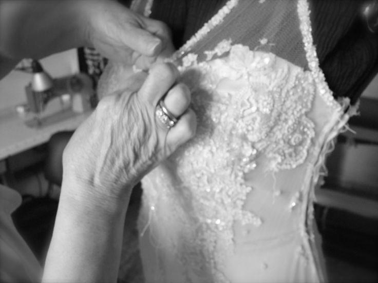 Chi lavora con le sue mani è un lavoratore. Chi lavora con le sue mani e la sua testa è un artigiano. Chi lavora con le sue mani e la sua testa ed il suo cuore è un artista. San Francesco D'Assisi