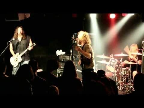 Corrosion of Conformity - encore @ Magnet Club Berlin - YouTube