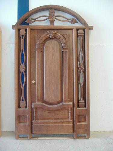 17 mejores ideas sobre puertas principales de madera en for Puerta de madera exterior usada