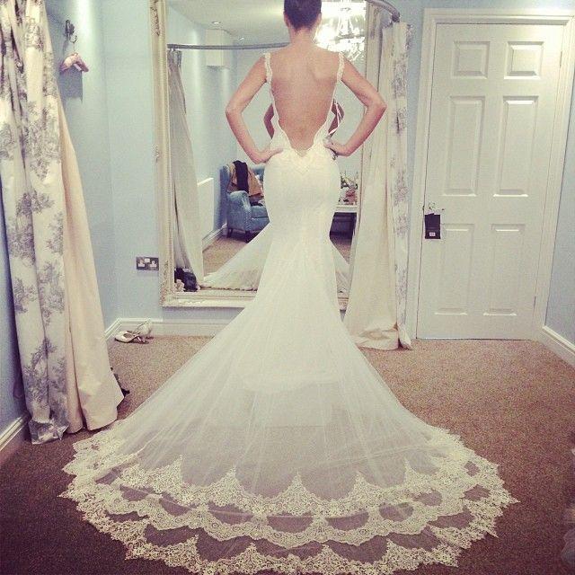 stunning. #galialahav #trunkshow #england #bridal #wedding