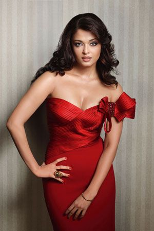 Red!: The beautiful Ashwaria Rai in a red dress by designer Shahab Durazi