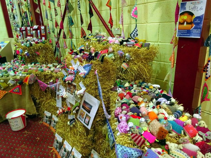 A Creative Community project for Yarndale 2016, raising money and awareness for Martin House Children's Hospice. Over 700 sheep were made and sent to Yorkshire from 32 countries worldwide. www.yarndale.co.uk