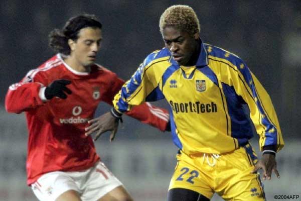 Romaric (Beveren-Benfica en 2 de Diciembre del 2004 en fase de grupos).
