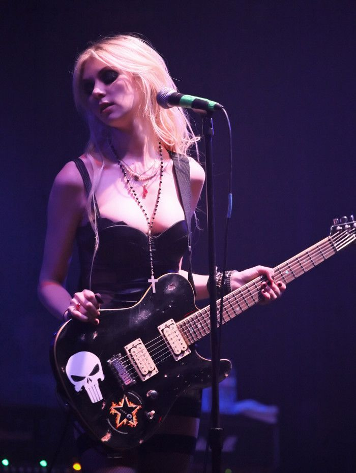 Taylor Michel Momsen is an actress and musician, known for her role as Cindy Lou Who in Dr. Suess' How the Grinch Stole Christmas in 2000, and later portraying Jenny Humphrey on the CW television series Gossip Girl starting in 2007. She currently fronts the rock band The Pretty Reckless.