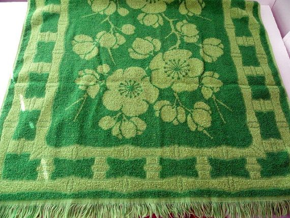 Fieldcrest Green Hand Towel, Cherry Blossoms and Bamboo, Guest Room, No stains, Retro Home, Green, MCM, Mid Century Home, Vintage Home