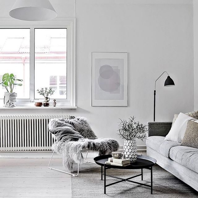 Cozy corner! Styling for Julia Albinsson @bjurfors_goteborg #interior4all #interior123 #interiordesign #interior #interiör #homestyling #homedecor #homeinspo #home #homestyle #homestaging #styling #decor #deco #decoration #nordiskahem #nordichome #myroom #myhouse #livingroom #living #light #tillsalu #forsale #beautiful