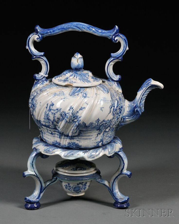 Holland Delft teáskanna, állvány, és melegítő: