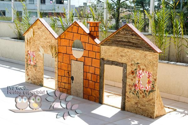 cute 3 little pigs houses