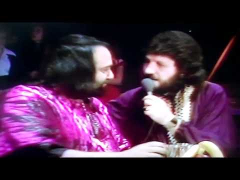 Scarce, now banned, footage - TOTP Oct 1976 - Dave Lee Travis in Kaftan Showdown - YouTube
