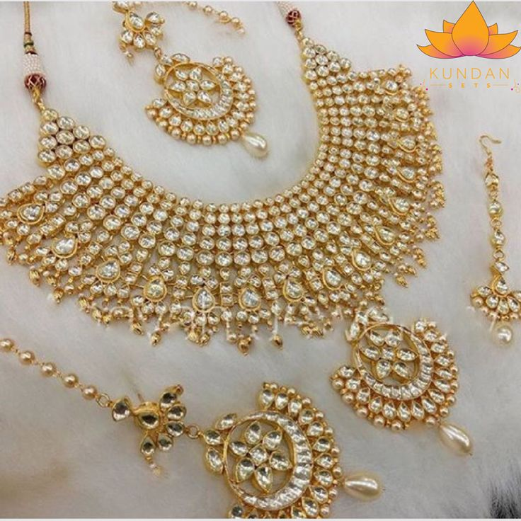 Indian Kundan Jewelry Necklace Set with earrings and tikka Stones: Kundan Gold Plated *Please contact us for custom colors or to add additional jewelry pieces to this order