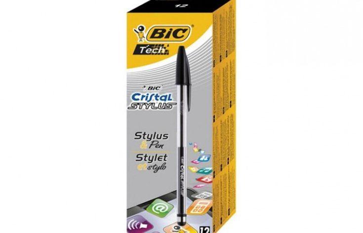 La biro si adegua all'era tecnologica: la Cristal Stylus di Bic è una classica penna a sfera, con un particolare: dalla parte opposta alla punta che scrive sulla carta, c'è un gommino per schermi touch. Così, la stessa penna può essere utilizzata per scrivere su fogli tra