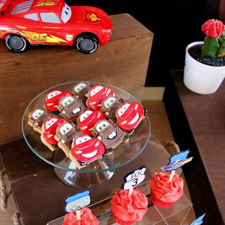 Disney Cars cookies. Photo by Ch!nadoll party.