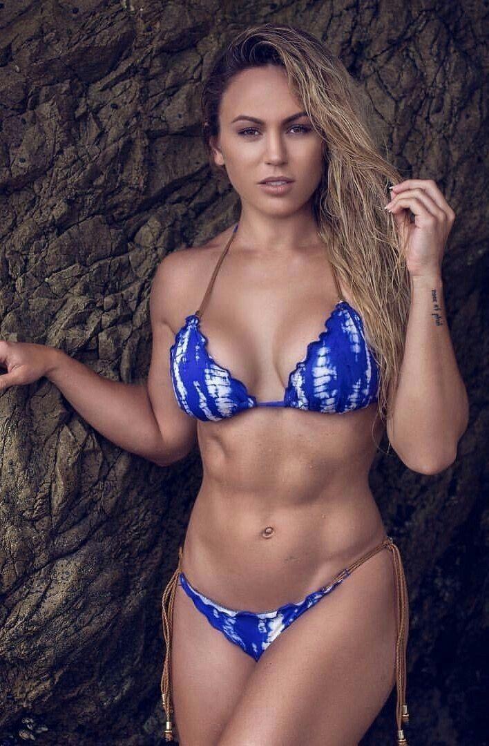 199127a00c891 Tamra Dae perfect muscular body abs fit thong bikini