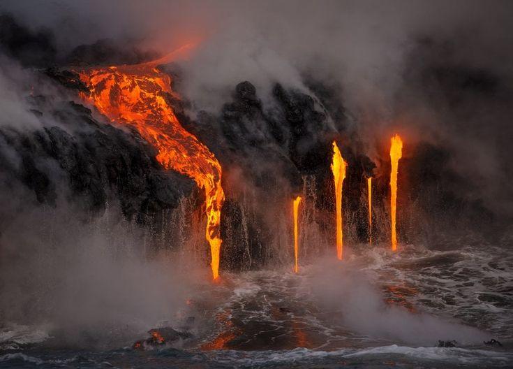 Erik Storm , fotografo e guida ambientale, ha catturato con la sua macchina fotografica la spettacolare colata lavica