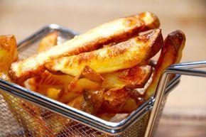 Brug dette eddiketrick når du skal lave verdens bedste pommes frites i ovn. Det giver dig meget sprøde pommes frites direkte fra ovnen. Verdens bedste pommes frites i ovn laver du med denne opskrif…