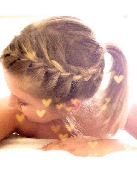 Flechten der Haare bei Kindern