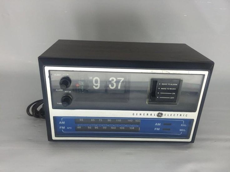 Vintage GENERAL ELECTRIC GE FLIP ALARM CLOCK RADIO AM FM MODEL No. 7-4315 #GE $45
