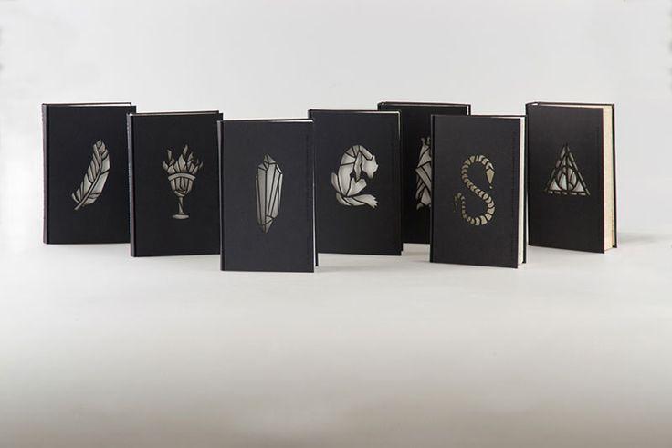 Jste ještě stále velcí fanoušci slavného Harryho Pottera? Máte doma celou sbírku knih, ale čtení se vám zdá nezáživné? Tak na to rovnou zapomeňte, protože knihy o slavném studentu čar a kouzel prošly docela velkou a zajímavou proměnou. Studentka umění Kincső Nagy navrhla pro celou knižní sérii Harryho Pottera úžasný design. Vytvořila zajímavé ilustrace, které […]