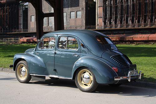 17 meilleures images propos de voitures anciennes sur pinterest peugeot voitures et citroen ds. Black Bedroom Furniture Sets. Home Design Ideas
