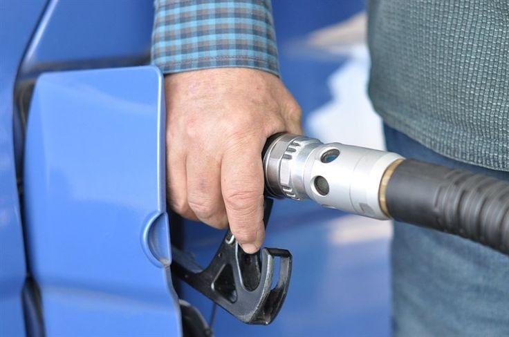 ¿Cuáles son las gasolineras más baratas de España? - http://www.vistoenlosperiodicos.com/cuales-son-las-gasolineras-mas-baratas-de-espana/