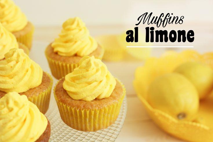 I muffins al limonesono dei dolcetti golosi aromatizzati al limone, ideali per colazione o merenda! RUBRICA A CURA DI: MUFFINS AL LIMONE: INGREDIENTI