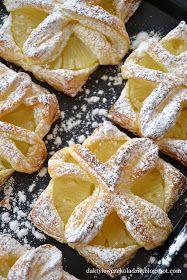 daktyle w czekoladzie: Ciastka francuskie z ananasem