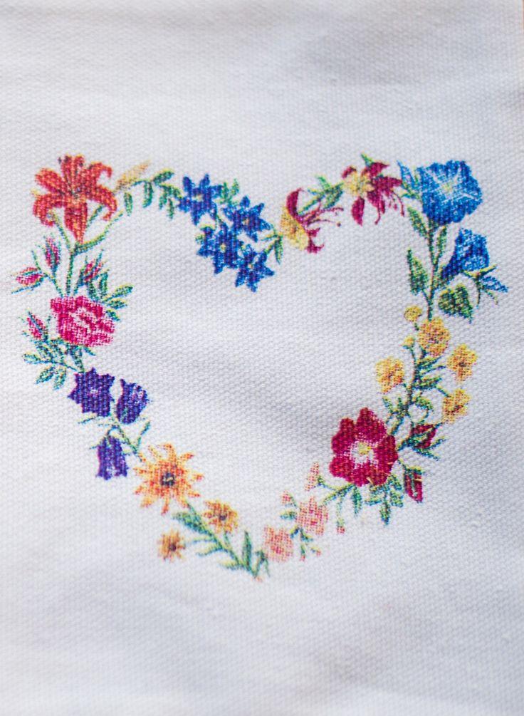 Sachet Bag - Heart Shaped Flowers