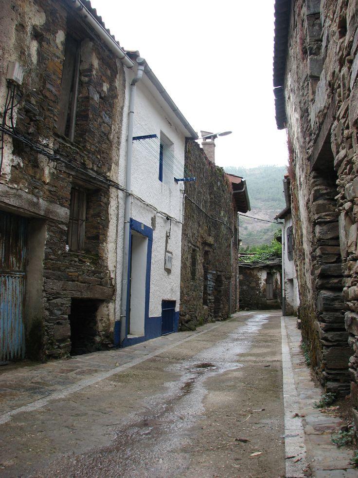 Hermosa calle en Riomalo de Arriba.