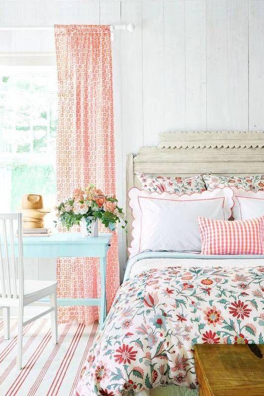 Kis hálószobák, nagy ötletek - bizonyíték, hogy a különböző minták milyen jól tudnak együtt mutatni.